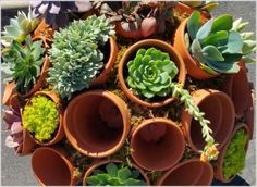 10 Cool Clay Pot Garden Crafts for You to Try 4