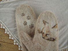 """Варежки, митенки, перчатки ручной работы. Ярмарка Мастеров - ручная работа. Купить Варежки валяные, войлочные """"Кошка Лапка"""". Handmade."""