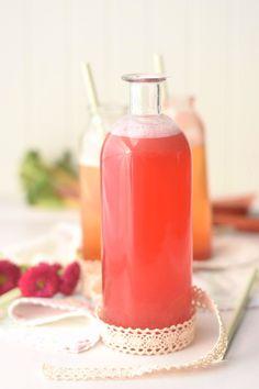 Erdbeer-Rhabarber-Sirup & Spieße* | Das Knusperstübchen
