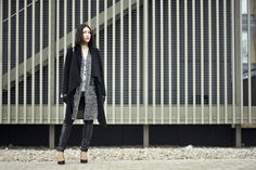 marble-street-fashion #street #style #street #fashion #marble #black #highheels #oversized #coat #blackcoat #marble #blouse #marble #sweater #outfit