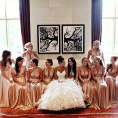I love these brides maid dresses beautful