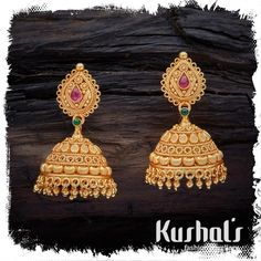 Pretty ornate South Indian Traditional Silver Temple Ruby Green Jhumka Earrings with Hanging Beads & spinal stones. this pair makes for great festive wear. Gold Jhumka Earrings, Indian Jewelry Earrings, Gold Bridal Earrings, Gold Earrings Designs, Temple Jewellery, Wedding Jewelry, Jhumka Designs, Jewellery Box, Gold Necklace