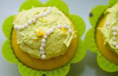 Vegan zesty lemon cupcakes
