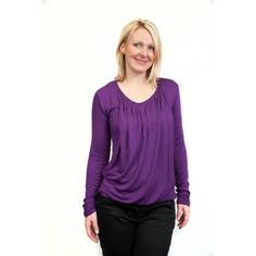 To access the right breast, simply move the front fabric to the left and move to the right the inner layer. To access the left breast, simply move the front fabric to the right and move to the left the inner layer. Breastfeeding Shirt, Breastfeeding Fashion, Breastfeeding Support, Nursing Clothes, Nursing Tops, Tees, Shirts, Long Sleeve, Breast Feeding