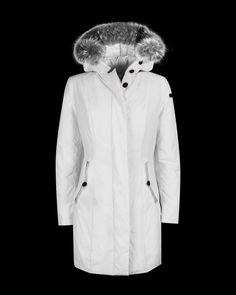 Approfitta dei #Saldi per il tuo capospalla invernale!! #outerwear #RRD #outfitoftheday #lookoftheday #fashion #fashiongram #style #RobertoRicciDesign #currentlywearing #lookbook #shopping #outfit #clother #mylook #fashionista #instastyle #likeforfollow #instafashion #outfitpost #fashionpost #Saldi2017 #SaldiInvernali #Sale #Sale2017 #revo #parka #ladyfur