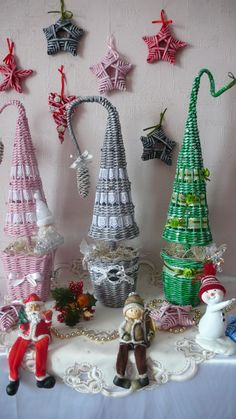 Одноклассники Weaving, Christmas Ornaments, Knitting, Holiday Decor, Crafts, Diy, Xmas, Recycle Paper, Christmas Themes
