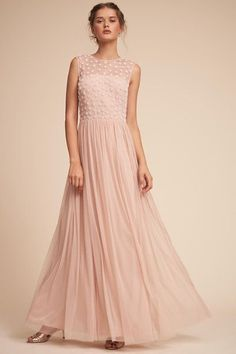Your guide to finding pretty blush or pink bridesmaid dresses for weddings with a blush or pink color scheme. Cute pink bridesmaid dresses in rose, blush, pink, hot pink! Find blush and pink dresses for your bridesmaids easily! Mob Dresses, Gala Dresses, Fashion Dresses, Formal Dresses, Blush Bridesmaid Dresses, Wedding Dresses, Bridesmaids, Bhldn, Rose Dress