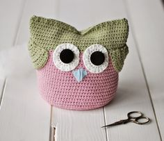 Crocheted Owl by Zuzana Obert Crochet Hats, Beanie, Diy Projects, Handmade, Owls, Gifts, Knitting Hats, Hand Made, Presents