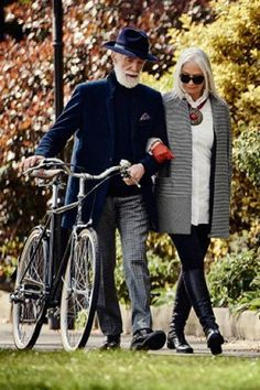 my style over 50 aging gracefully - my style ; my style over 40 ; my style over 50 fifty not frumpy ; my style edgy ; my style over 50 aging gracefully ; my style outfits ; my style casual ; my style summer Fashion Couple, Fashion Over 50, Moda Fashion, Womens Fashion, Fashion Trends, Old Couples, Elderly Couples, Stylish Couple, Mature Fashion