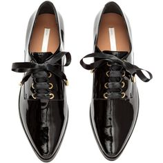 Oxfordschuhe aus Lackleder 59,99 ($70) ❤ liked on Polyvore featuring shoes, oxford shoes, black patent leather shoes, black oxfords, patent oxford shoes and patent leather oxfords