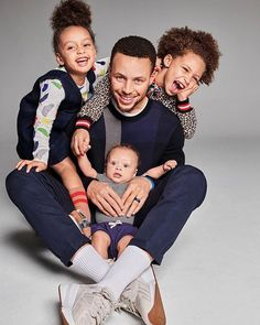 NBA star Stephen Curry and his cute family cover Parents magazine (Photos) - NaijaDome Stephen Curry Family, The Curry Family, Nba Stephen Curry, Stephen Curry Ayesha Curry, Stephen Curry Quotes, Family Guy, Cute Family, Family Goals, Beautiful Family