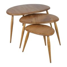 Lucian Ercolani Nesting Table / Stacking Table - Vintage Ercol Nest Of Blonde Pebble Coffee English Beech Ercol Dining Table, Ercol Coffee Table, Teak Table, Ercol Furniture, Table Furniture, Modern Furniture, Furniture Design, Solid Oak Table, Brass Side Table