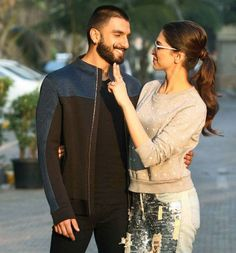 Deepika Padukone, single or still in a relationship with Ranveer Singh? Watch video to find out. - Single or still in a relationship with Ranveer Singh? Deepika Padukone CONFUSES a reporter - watch video Bollywood Couples, Bollywood Actors, Bollywood Fashion, Deepika Ranveer, Ranveer Singh, Deepika Padukone Wallpaper, Dipika Padukone, Sr K, Bollywood Updates