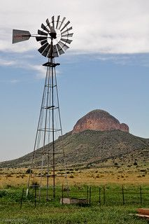 Farm windmill in Arizona, USA Farm Windmill, Windmill Art, Old Windmills, Wind Of Change, Country Scenes, Water Tower, Old Barns, Le Moulin, Covered Bridges