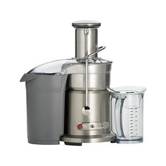 "Powerful, efficient and cleverly designed, this ""fountain"" juicer extracts eight ounces of juice in five seconds, right into the one-liter juice jug with froth separator. Over 40,000 filtering pores, 1,000 watts of power, and up to 13,000 RPM produce up to 30% more smooth, delicious juice extraction than traditional juicers. Dual-speed motor handles hard fruits and veggies like apples and beets on the high setting, softer foods like greens and melons on low."