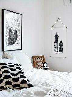 Boho Deco Chic: Inspiración y calidez de un dormitorio blanco y negro