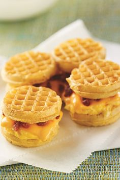 Pull-Apart Wafflewich Waffles make great breakfast time egg sandwiches especially when you add bacon bits and cheesy deliciousness into the mix. Breakfast Items, Breakfast For Dinner, Breakfast Dishes, Breakfast Recipes, Brunch Recipes, Breakfast Tailgate Food, Savory Breakfast, Yummy Recipes, Recipies
