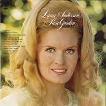 """Lynn Anderson - Rose Garden reminds me of anne boleyn and how she never promised him the """"perfect submissive"""" girl. Country Music Singers, Country Artists, Music Icon, My Music, Lynn Anderson, One Hit Wonder, Pop Songs, Record Collection, Popular Music"""