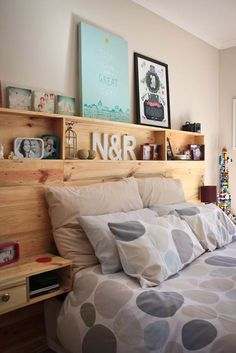 Diy Headboard With Shelves View In Gallery Custom Pallet Headboard With Built In Diy Storage Headboard, Diy Headboard With Lights, Headboard With Shelves, Custom Headboard, Headboard Designs, Headboards For Beds, Headboard Ideas, Headboard Pallet, Bookcase Headboard