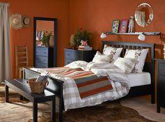 Chambre avec meubles noirs ikea