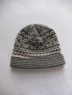 Knitter, Knitting.