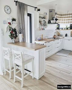 Dress up the kitchen furniture with a small budget - Home Fashion Trend Kitchen Room Design, Home Room Design, Kitchen Layout, Home Decor Kitchen, Interior Design Kitchen, Country Kitchen, Kitchen Furniture, New Kitchen, Home Kitchens