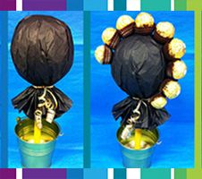 How to make a sweet tree Chocolate Tree, Chocolate Flowers, Chocolate Bouquet, Chocolate Gifts, Craft Gifts, Diy Gifts, Sweet Hampers, Candy Arrangements, Candy Trees