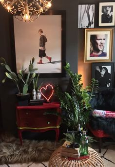 dark walls in a living room with artworks and a painting by Nigel Cox Small Living, Living Area, Living Rooms, Cosy Interior, Interior Design, Dark Walls, Dark Interiors, Retro Chic, My New Room