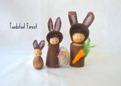 Waldorf Chocolate Brown Bunny Family Peg Doll Set ~ Easter Bunny ~ Bunny Peg ~ Peg Animal ~ Carrot ~ Easter Gift ~ Toy ~ Spring Nature Table...