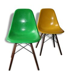 Chaise DSW Kelly green Eames/Miller  sc 1 st  Pinterest : chaise herman miller - Sectionals, Sofas & Couches