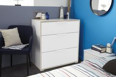 Line - komoda, zásuvka (bílá/bílá/dub) European Furniture, Small Space Design, 5 Drawer Chest, Tv Wall Unit, White Bedroom Furniture, Changing Table Dresser, Wall Unit, Stylish Storage Solutions, Pine Bedroom Furniture