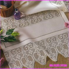 Alıntı Filet Crochet, Crochet Borders, Crochet Lace, Crochet Curtains, Linens And Lace, Doily Patterns, Knitted Blankets, Doilies, Crochet Projects