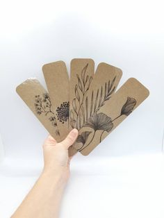 Paper Bookmarks, Beaded Bookmarks, Paper Drawing, Paper Art, Paper Crafts, Notebook Art, Ink Pen Drawings, Floral Drawing, My Scrapbook