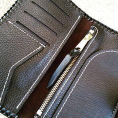 Interior #dbcustomleather #madeinusa #letyourworkdothetalking #leathercarving #leathertooling #leathercraft #leatherwork #leather #customleather #leathergoods #leatherwallet #leatherclutch by duaneballard