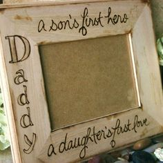 Wood frame for Dad Rustic large frame with custom saying for your Father from a son and daughter Great Father's Day gift or birthday gift So sweet for any dad Diy Gifts For Mom, Diy Father's Day Gifts, Diy Holiday Gifts, Mothers Day Crafts For Kids, Great Father's Day Gifts, Father's Day Diy, Diy Gifts For Boyfriend, Fathers Day Crafts, Craft Gifts