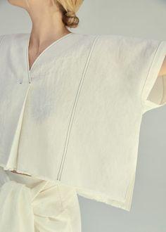 Blusa lino costuras | MANGO
