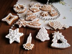 Gingerbread Cookies, Gingerbread Houses, Cookie Decorating, Sugar, Desserts, Christmas, Decoration, Food, Tailgate Desserts