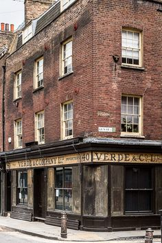 A historic brick building next to Old Spitalfields Market in east London London Blog, London Map, London Tours, Old London, East London, London City, London Travel, Vintage London, London Brick