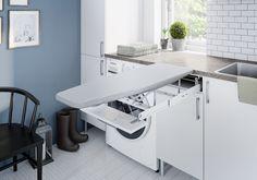 Sjå kva du kan få plass til — Linn Bad Hanging Canvas, Laundry Room Design, Modern Kitchen Design, New Homes, Layout, House Design, Cabinet, Storage, Interior