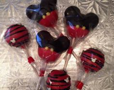 12-minnie mouse theme cake pops por Chevonscouturesweets en Etsy