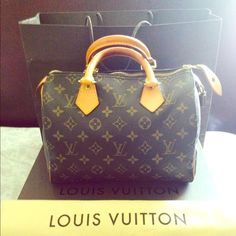 Authentic Louis Vuitton Speedy 25 I really love this handbag but I have now grown out of itIt's still in very good condition and it also comes with all the original packaging box and dust bag lock/key (and if you request all original packaging it will be extra to ship all of it. Louis Vuitton Bags