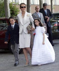 900 Ideas De Familia Real Española Familia Real Española Familias Reales Casa Real Española