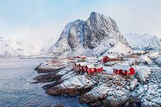 hamnøy lofoten reine winter snow march