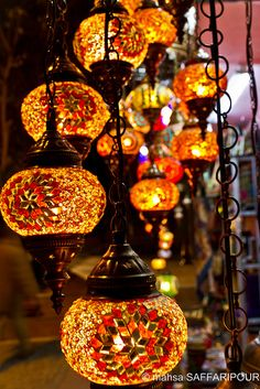Lanterns in a shop in Istanbul, Turkey Turkish style hanging lamps / By mahsa saffaripour Turkish Lamps, Moroccan Lamp, Moroccan Lanterns, Turkish Fashion, Turkish Style, Boho Fashion, Candle Lanterns, Bohemian Decor, Fairy Lights