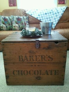 OMGOSH ---- I HAVE TO HAVE THIS!!!!!    @Connie Baker  Junk Situation: old crate coffee table