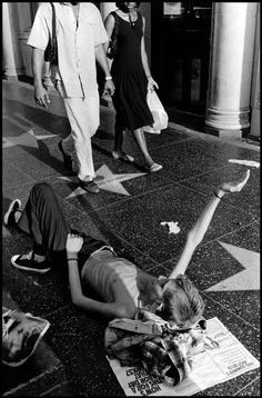 """"""" Tweeky Dave panhandles next to Marilyn Monroe's star on Hollywood Boulevard, beside a McDonald's. Dave weighs less than Urban Photography, Street Photography, Jim Goldberg, Hollywood Boulevard, Tiny Dancer, Dream City, Anatomy Reference, Magnum Photos, Black And White Photography"""