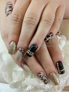 nude+black+and+gold+freehand+nail+art+over+acrylic+nails