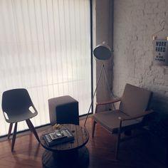 Uma sala de espera um tanto quanto charmosa. Coworking A FIRMA.