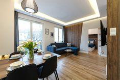 Nieduże mieszkanie: zobacz piękne i wygodne wnętrze - Galeria - Dobrzemieszkaj.pl Best Corner Sofa, Home Staging, Sofas, Conference Room, Furniture, Apartments, Design, Home Decor, Couches