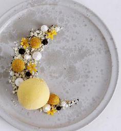 Passionsfrugt-is med lakrids og hvid chokolade